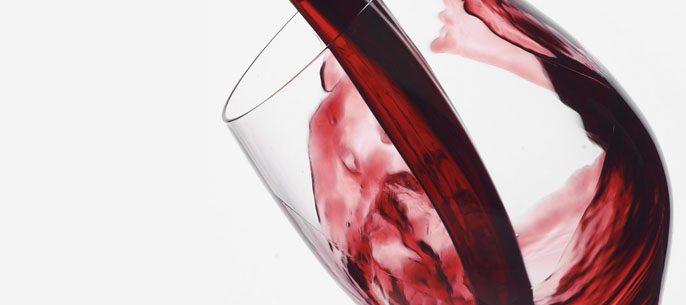 Vinho tinto sem álcool reduz a hipertensão