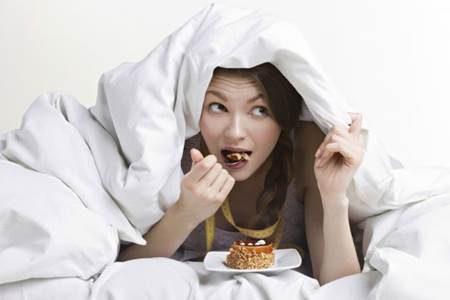 O que é síndrome da alimentação compulsiva noturna?