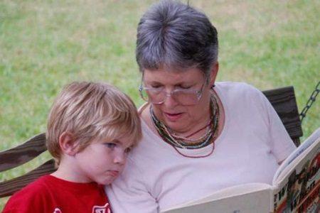 Cuidar dos netos uma vez por semana melhora a saúde mental