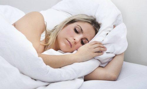 Como controlar a síndrome pré-menstrual