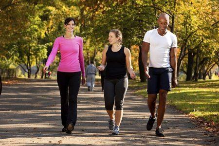 Sobrepeso e sedentarismo? Comece caminhando