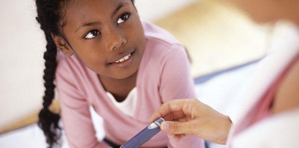 6 maneiras de ajudar crianças que vivem com diabetes
