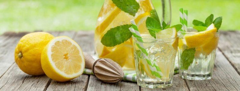 13 incríveis benefícios de tomar água com limão